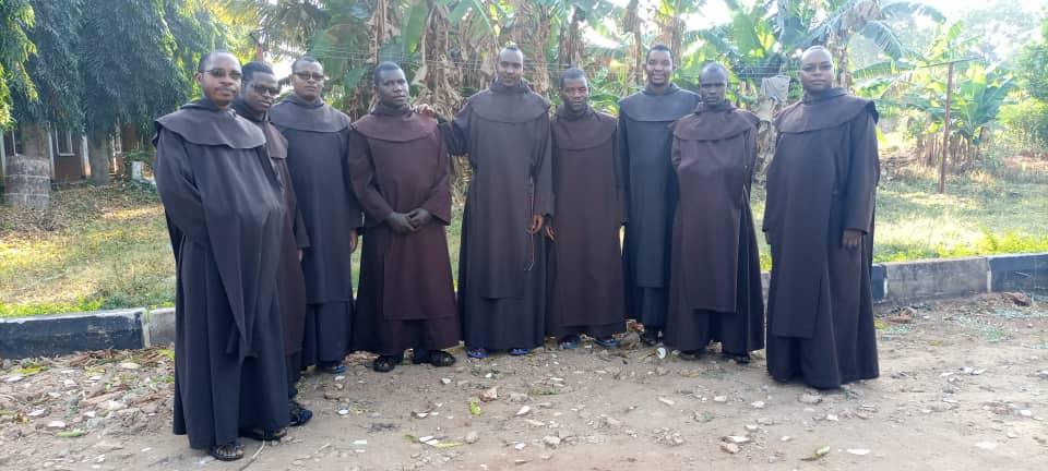 Klerycy teologii i filozofii z Morogoro w Tanzanii